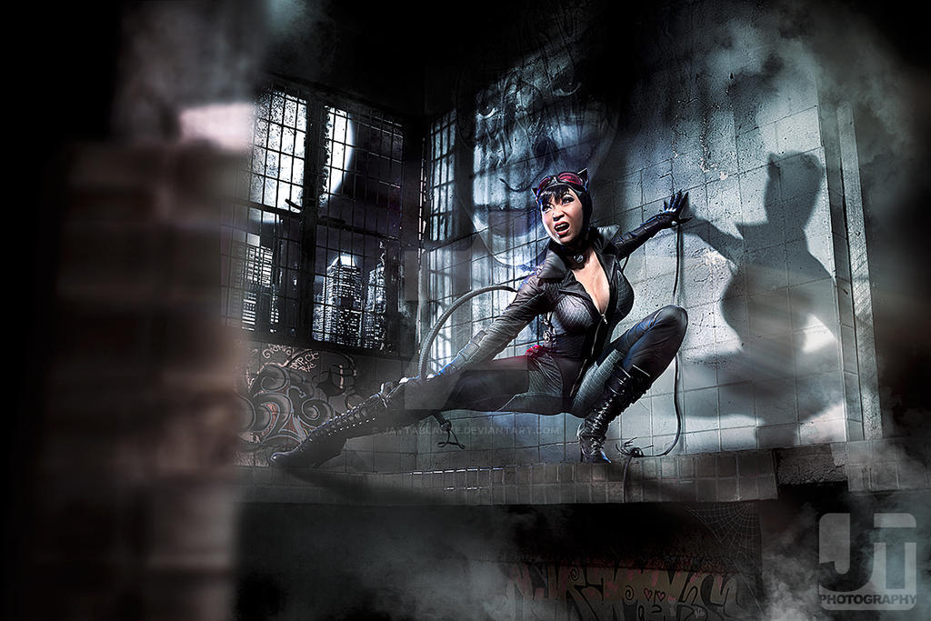 Catwoman on the Prowl by jaytablante
