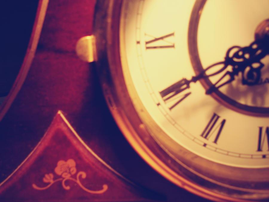 Time V by MaithaNeyadi
