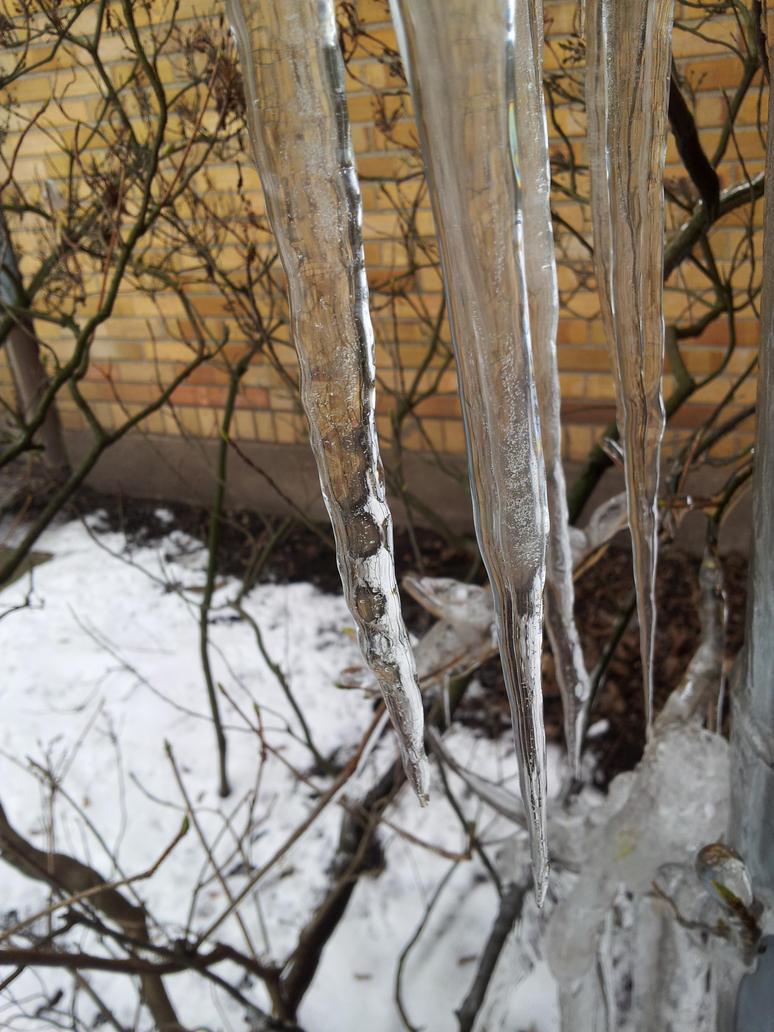 Frosty Daggers by Avohir