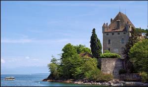 Yvoire castle by LiveInPix