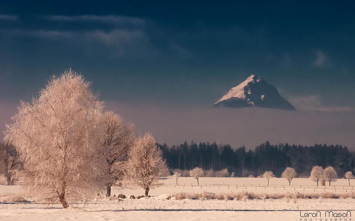 ice-volcano by LeronMasoN