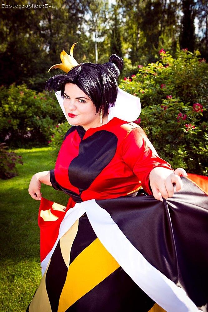 Disney Queen of Hearts Alice by Matsu-Sotome