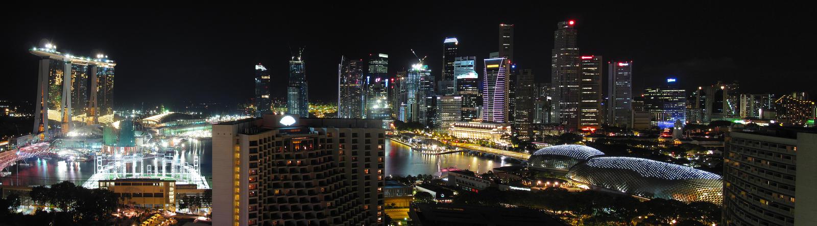 Singaporean Panorama by hariskalin