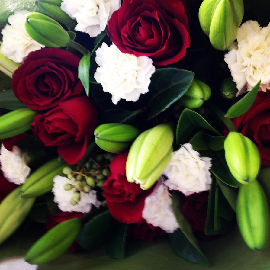 Bouquet by GlitterQueen