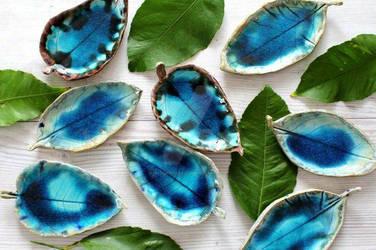 Blue leaf bowls