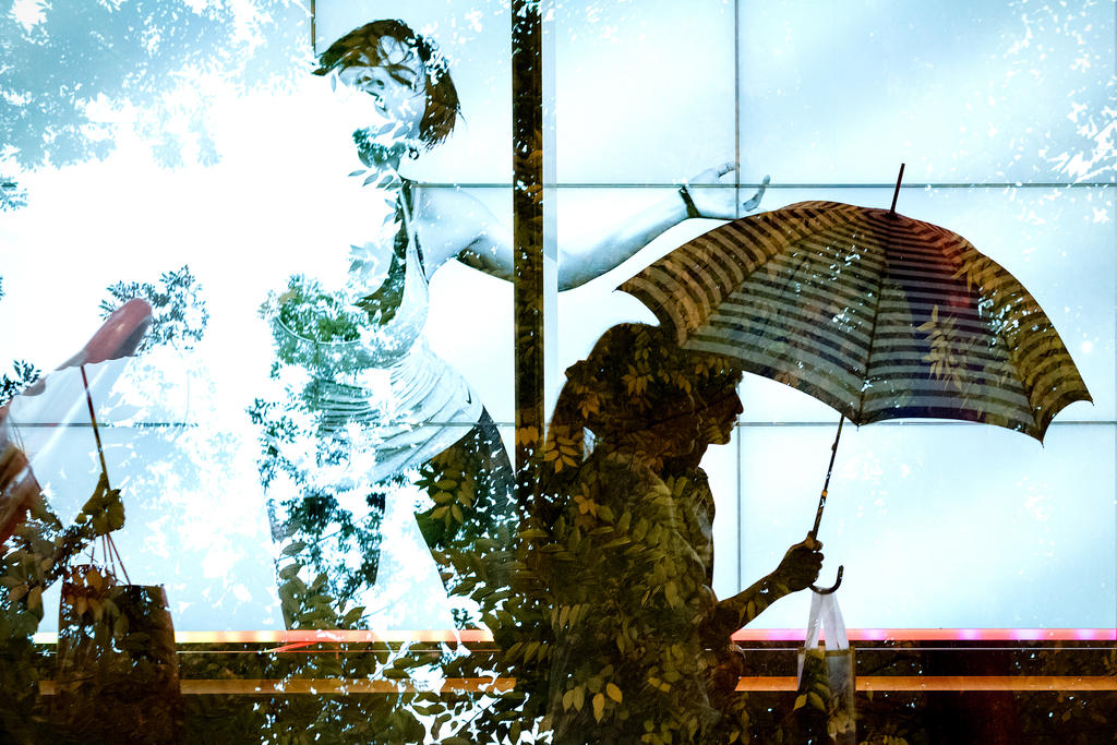 Double-rain in Shibuya by stephane-bdc