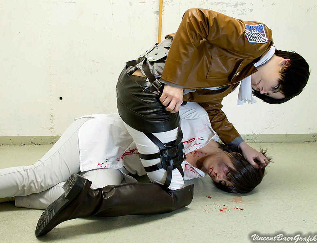 ATTACK ON TITAN COSPLAY - Rivaille and Eren by K-I-M-I