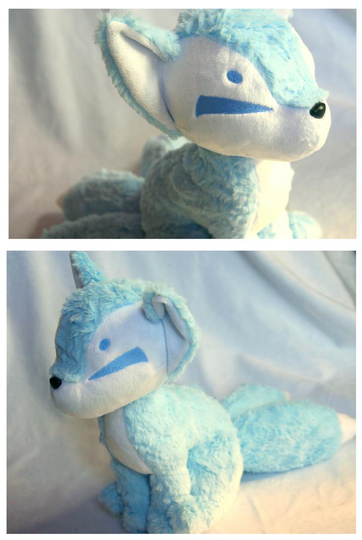 Fluffy Winter Kitsune by FollyLolly