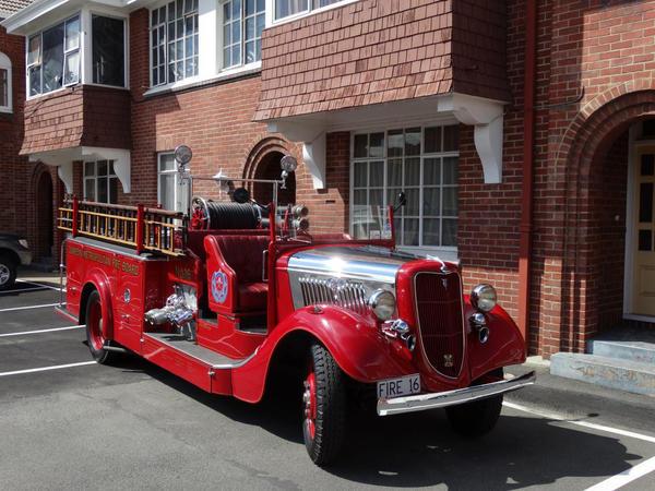 Old nice fire truck by vafiehya