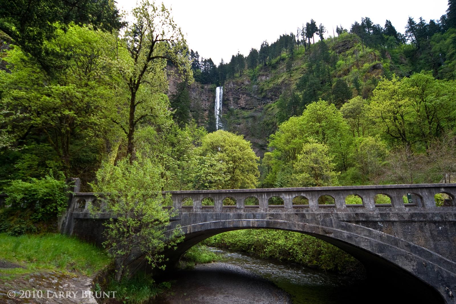 Multnomah Falls and Bridge by inessentialstuff