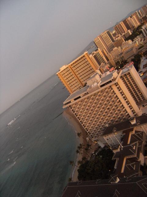 Waikiki Beach Cityscape by rioka