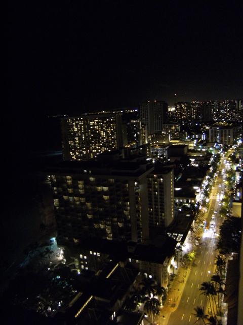 Waikiki at Night by rioka