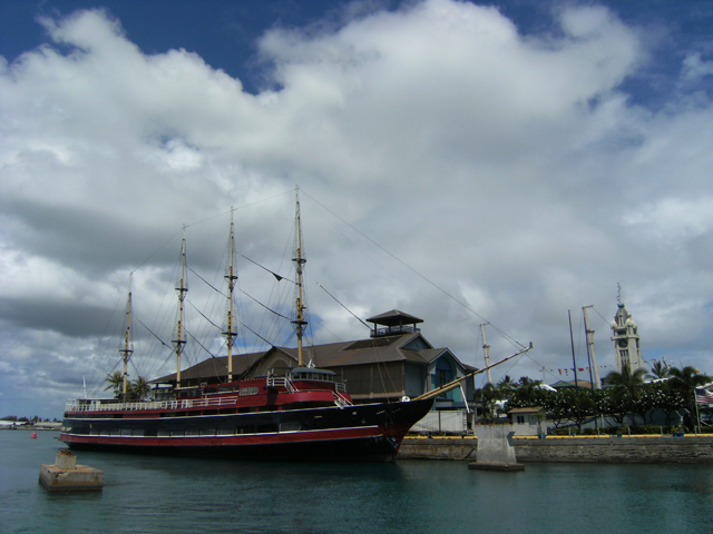 Aloha Tower Ship by rioka