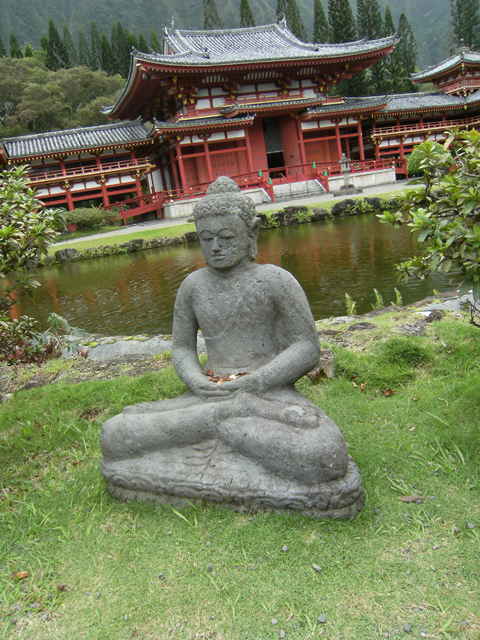 Byodo-In Buddha by rioka