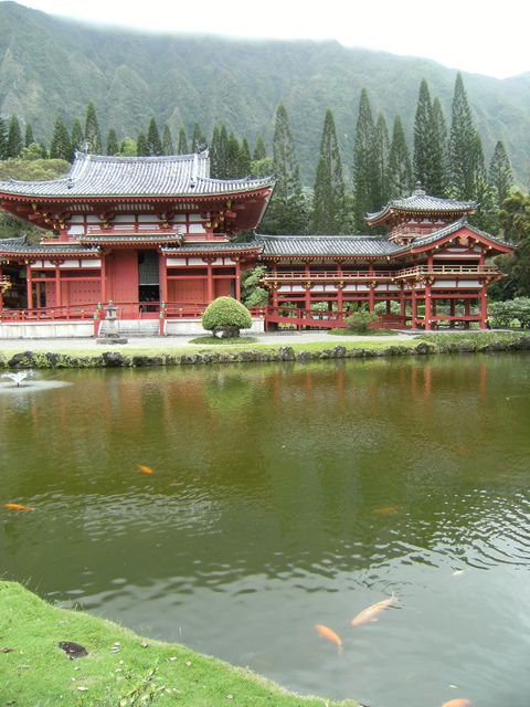 Tranquil Byodo-In Temple by rioka