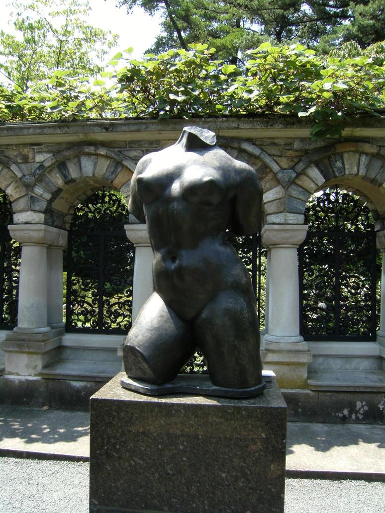 Kykuit Feminine Statue by rioka
