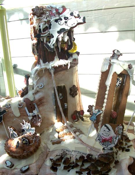 Chocolate Gingerbread.. House? by rioka