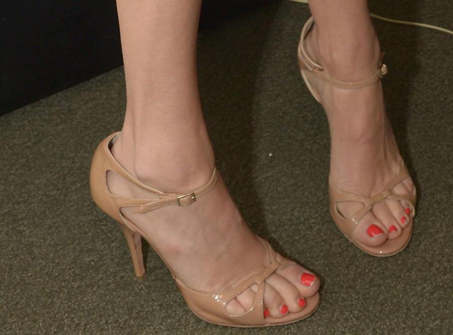 Jenny McCarthy feet 2 by GTSandFEETlover on DeviantArt