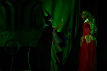 Maleficent and Aurora - On Scene by TeatroRodarly