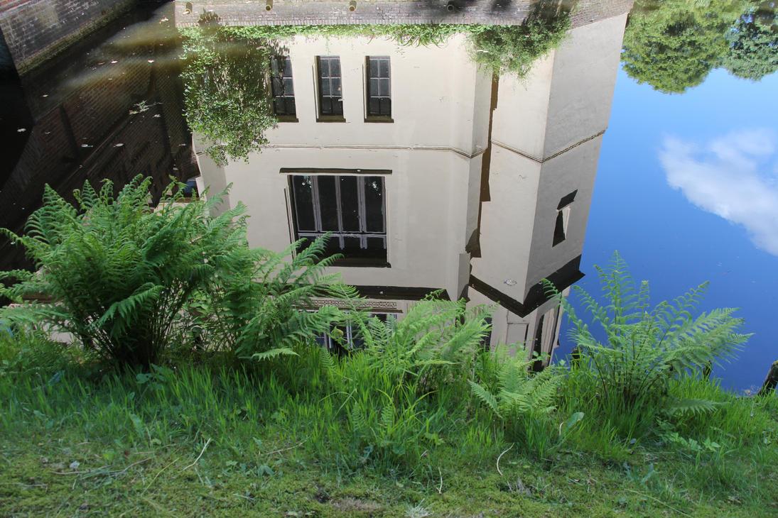 Evenburg Schloss Moat by Topaz172