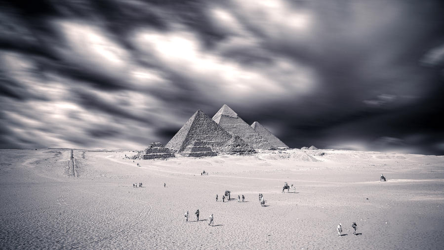 Giza in Storm by PortraitOfaLife