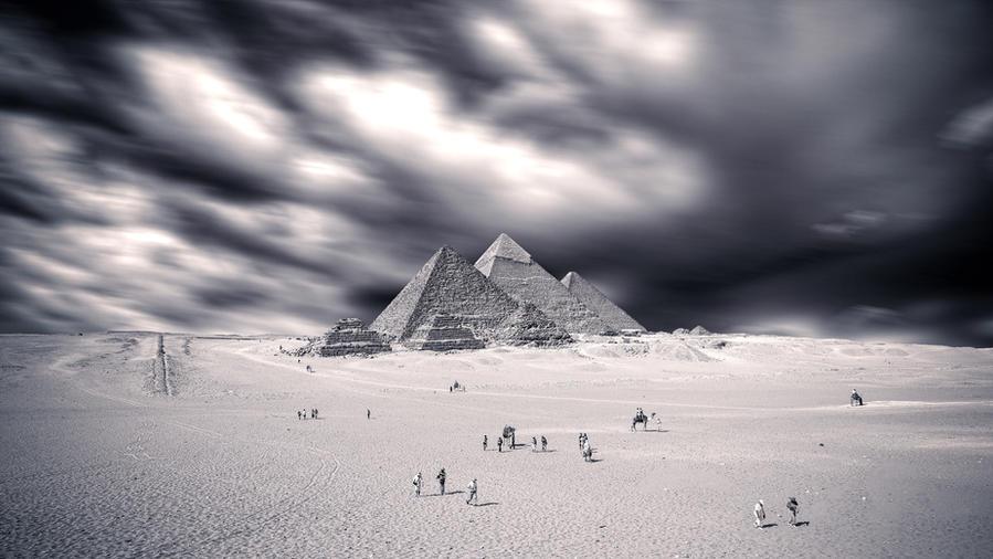 Giza in Storm by PortraitOfaLife