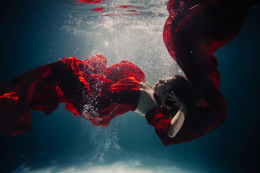 Underwater red2 by SolMay