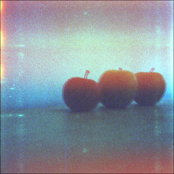 3 apples by weltengang