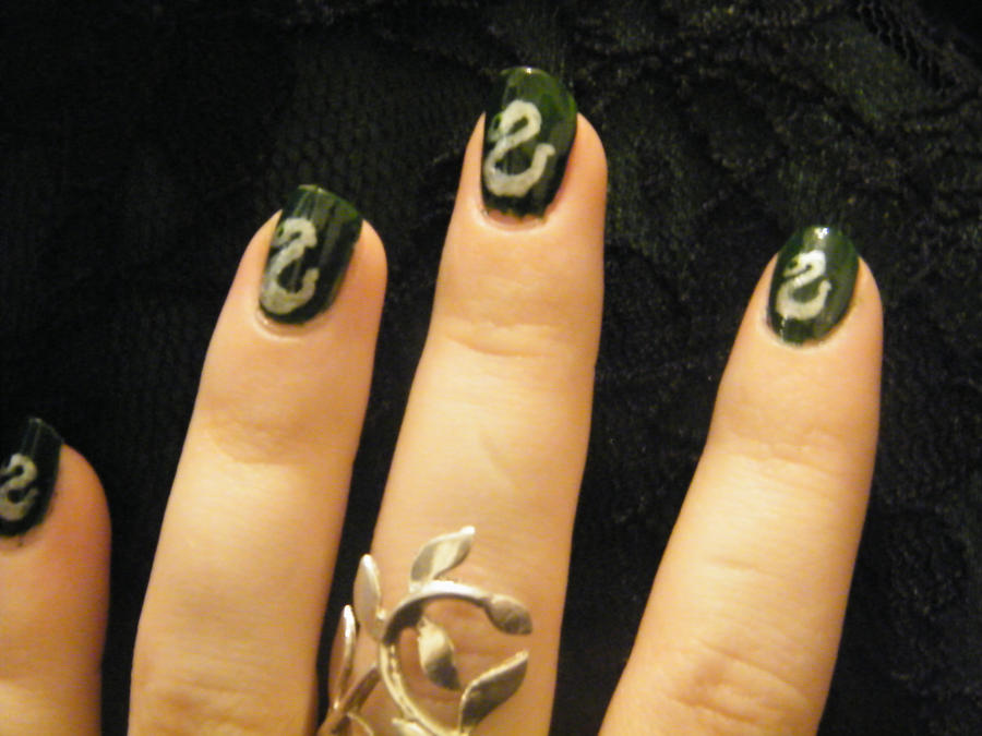 slytherin nail art 2 by EvlingMagicSpark on DeviantArt