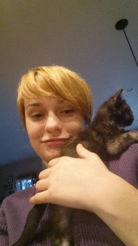 Kitteh on my Shoulder by BalletGal15