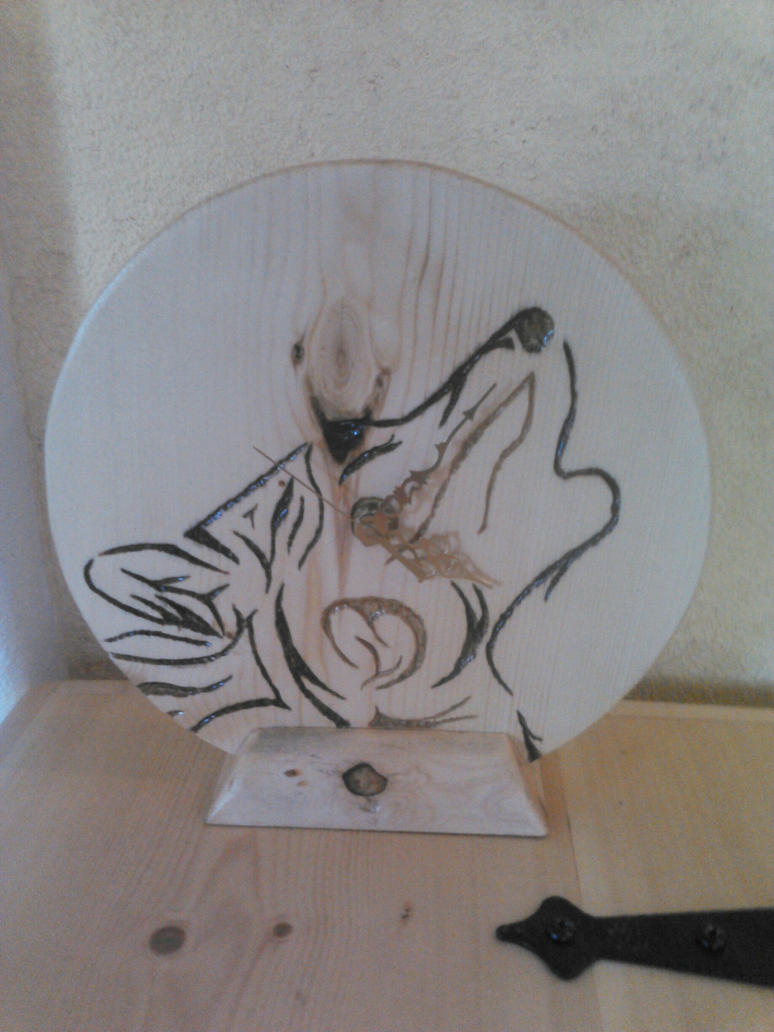 Wolf Clock by the-lone-wolf-fft2