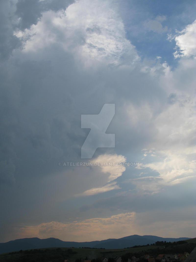 Storm on the horizon by AtelierZUN