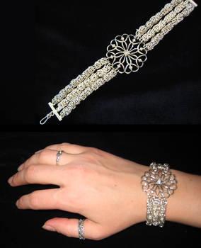 Chainmail pendant bracelet