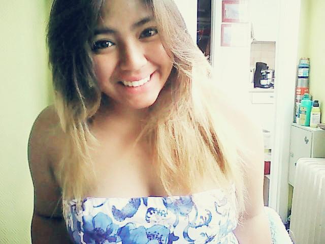 Sweet-Aziian-Giirl's Profile Picture