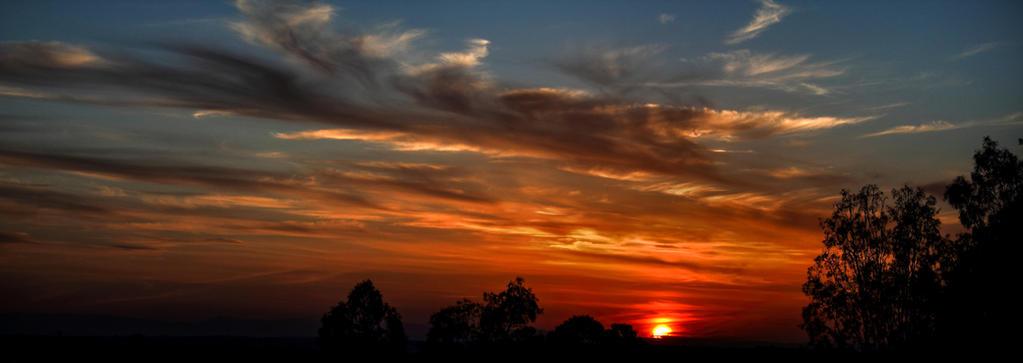 Setting sun by AaronJJenkins