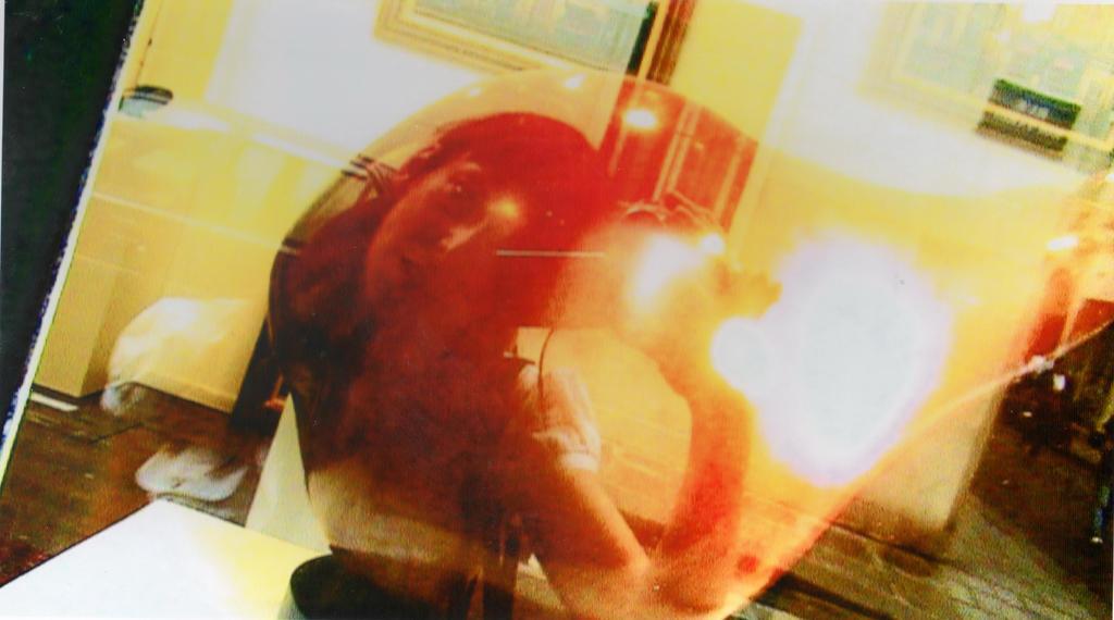 Autoportraits dans vitrines et miroirs 20 by caroo999 on for Autoportrait miroir