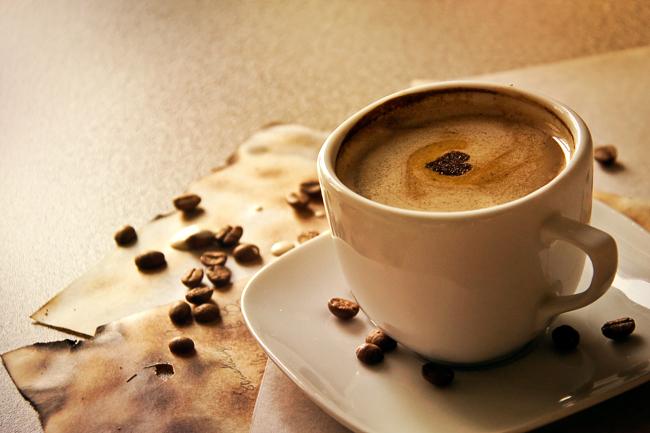 najromanticnija soljica za kafu...caj - Page 4 Coffee_trash_1_by_b_ereza-d46js67