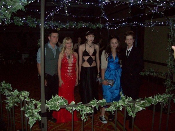 The Cullens At Prom by pegsicle on DeviantArt