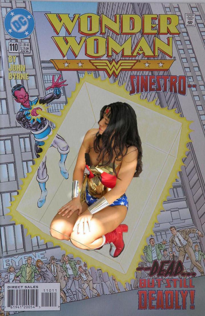 Wonder Woman boxed by sintruder