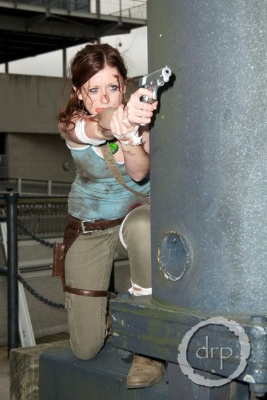Lara Croft: Shoot by LisaMarieCosplay