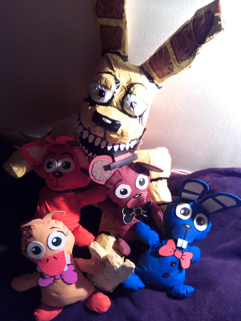 Plushtrap and his plushie friends by ladyfiszi on deviantart