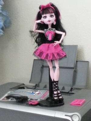 Draculaura Picture Day Doll by Ask-Lovestar-MLP