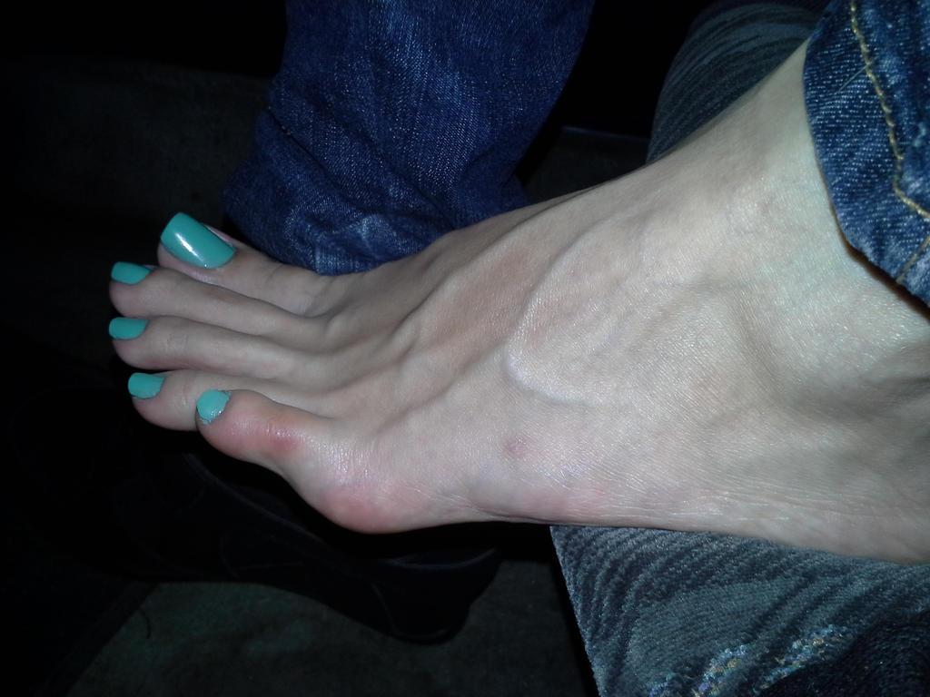 sexy veiny feet