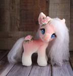 Munchkin Carousel Pony - Peaches and Cream