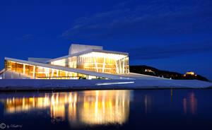 Reflection Opera at night by Bull04