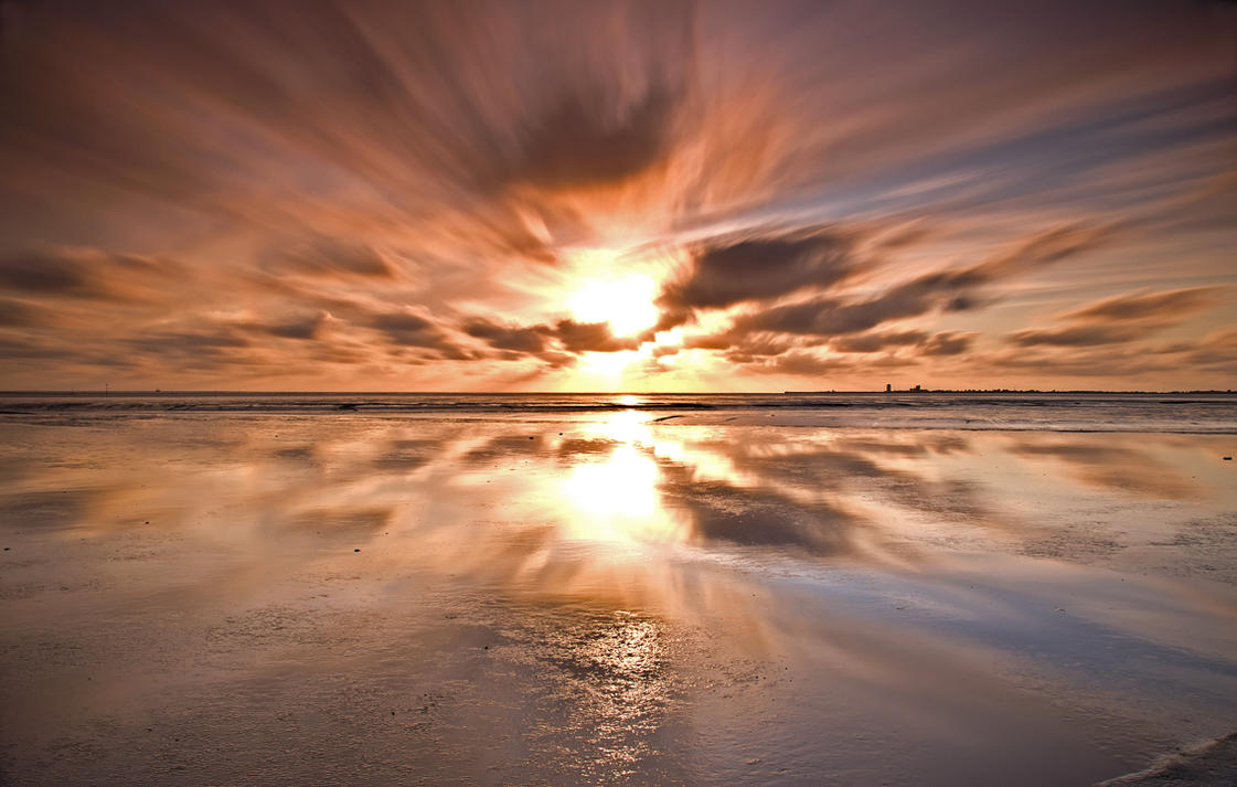 Long Exposure Sunset low tide by Bull04