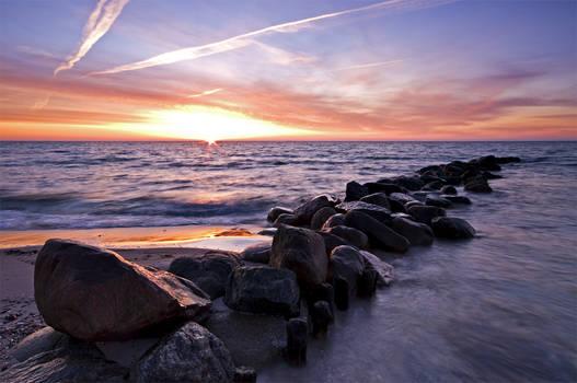 Sunrise on the coast by Bull04