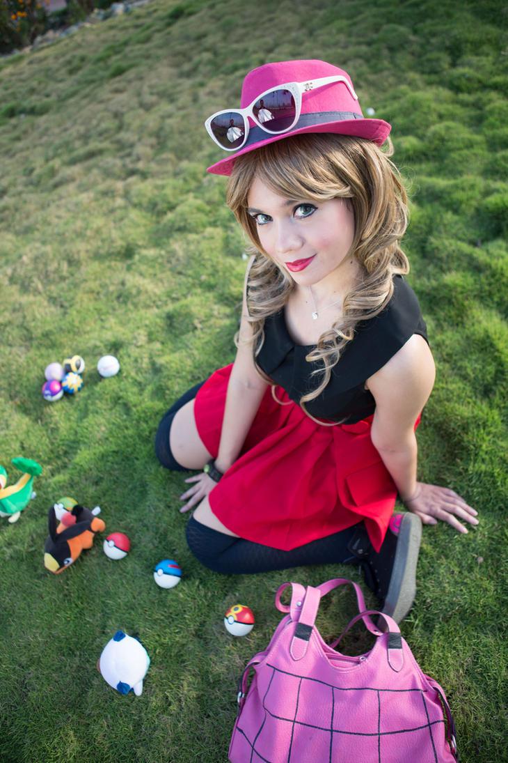 Who's the hottest Serena cosplayer on DeviantART? (NO XTHUNDERBOLT) Serena_pokemon_trainer_by_windelle-d7cr1pz