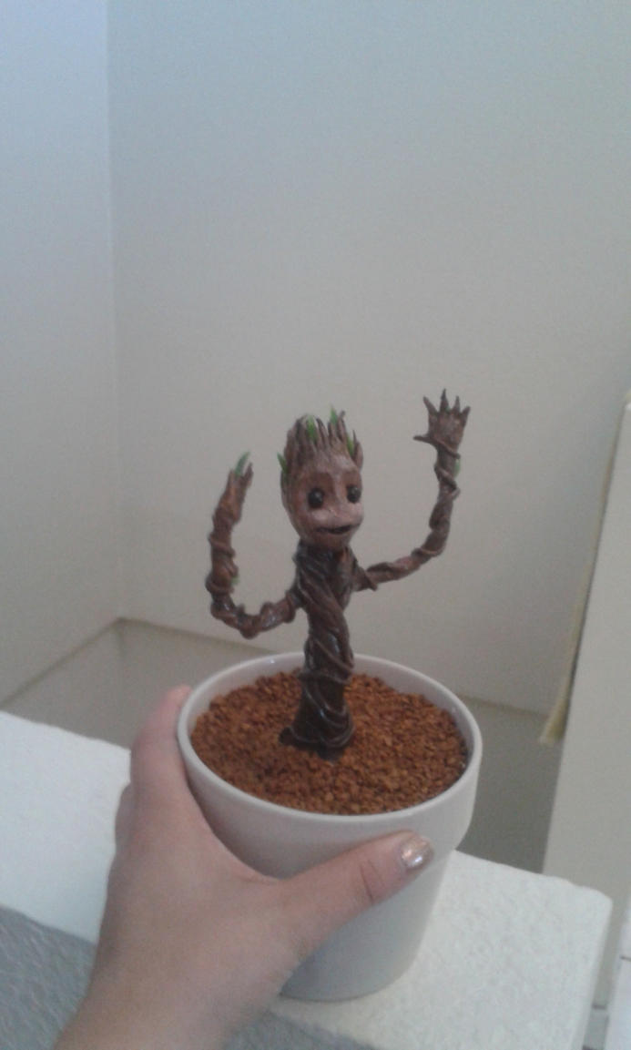 Dancing Baby Groot by AxKato