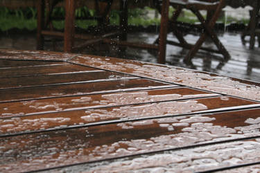 Pluie sur la terrasse by Filandrune